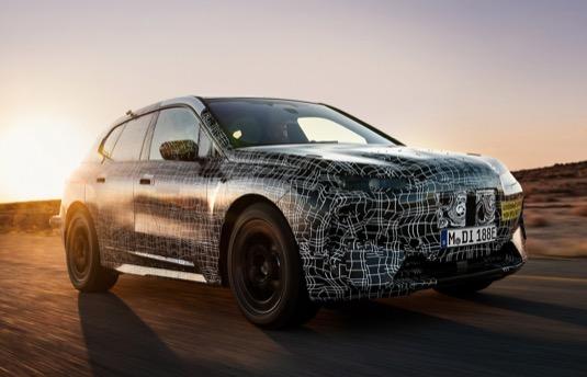 BMW iNext nepůjde na trh dříve než v roce 2021.
