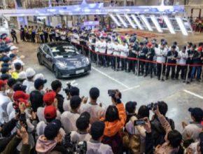 auto tesla model 3 čína továrna výroba elektromobilů šanghaj gigatovárna