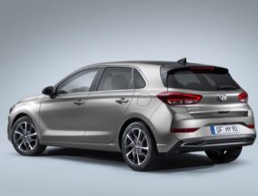 Elektrifikovaný částečně hybridní pohon 48V, dodávaný na přání, zvyšuje hospodárnost.