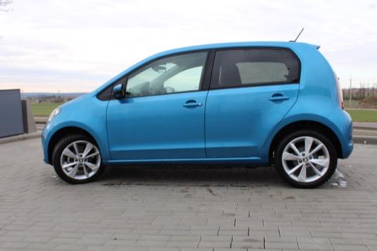 Elektromobil Škoda CitigoE iV klame tělem. Nabízí příjemné svezení a doslova přelomovou cenu.