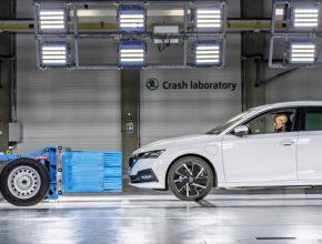 Technické vybavení umožňuje všechny aktuální scénáře crash testů včetně nejnovějších testů Euro NCAP.
