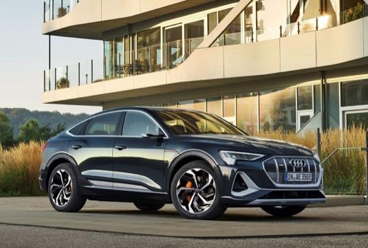 Nové Audi e-tron Sportback sdílí nejmodernější techniku elektrického pohonu s elektricky poháněným luxusním SUV Audi e-tron.