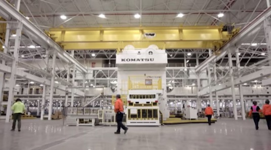 auto elektromobily továrna Rivian Normal Illinois