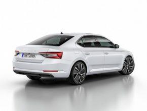 auto Škoda Superb iV plug-in hybrid