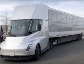 Tesla Semi elektromobil elektrický tahač