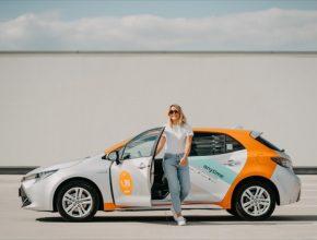 Počet uživatelů carsharingu v Evropě letos překročí 15 milionů, což je o 70 procent více než před dvěma roky. Na starý kontinent tak připadá přibližně polovina celosvětového trhu sdílené mobility. Počet sdílených aut se v roce 2020 zvýší o polovinu na 150 000 vozů. Vyplývá to z předpovědi společnosti Deloitte.
