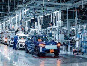 BMW i4 BMW iX3 elektromobily výroba