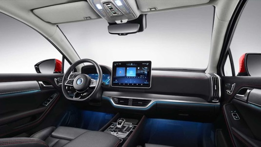 Interiér elektromobilu BYD Tang