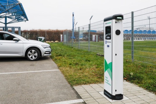 AC nabíjecí stanice Post eVolve Smart, Typ 2 (Mennekes) v provedení 2x11 kW v lokalitě U Stadionu 1118 (parkoviště u stadion FK MB).
