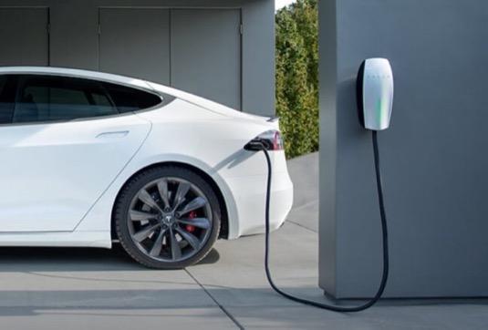 Nabíjení elektromobilu Tesla Model S
