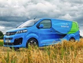 Objednávka 1000 elektromobilů Vivaro-e je dosud největší komerčním projektem tohoto typu.