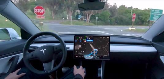 auto elektromobily Tesla