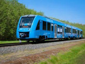 Vodíkový vlak Coradia iLint společnosti Alstom už jezdí v Německu, testuje se také v Nizozemsku.