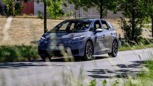 Oficiální dojezd elektromobilu Volkswagen ID.3 podle metodiky WLTP byl překonán o více než 100 kilometrů.