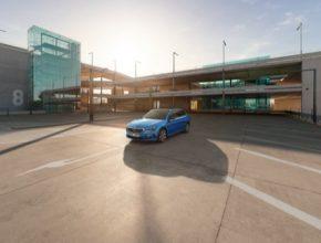 Informace o volných parkovacích místech budou v reálném čase zobrazovány na navigaci nebo pomocí aplikace ŠKODA Connect App