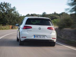 auto elektromobily Volkswagen e-Golf Uber Berlín