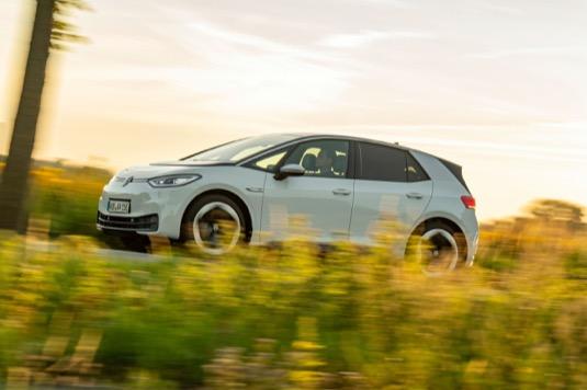 Nový Volkswagen ID.3 je od dnešního dne oficiálně k dispozici u českých prodejců