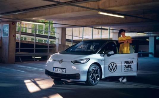 Volkswagen podpoří festival Praha Září jako oficiální partner. Návštěvníci se mohou těšit na bohatý doprovodný program včetně testovacích jízd s dvanácti elektromobily ID.3 pro nejširší veřejnost.