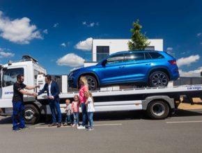 Jako první autotržiště na evropském trhu přichází s unikátním konceptem prodeje ojetých automobilů online, s výběrem z téměř 1 milionu prověřených vozů a veškerými doplňkovými službami včetně doručení před dveře domu zákazníka.