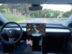 auto elektromobil Tesla robotické řízení Full Self Driving