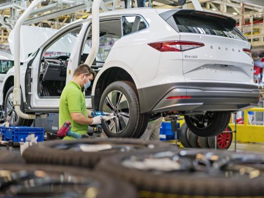 Výroba elektromobilu Škoda Enyaq iV v Mladé Boleslavi