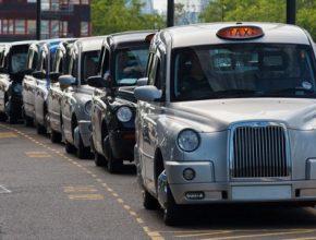 auto zákaz spalovacích vozů Británie