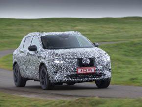 Nová generace Nissanu Qashqai se pomalu chystá na světovou premiéru. Prozatím pod kamufláží.
