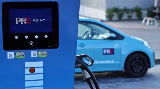 Pražská energetika, a. s., připravila novou mobilní aplikaci pro dobíjení a dosáhla mety 100 dobíjecích stanic PREpoint. Navíc přichystala pro své zákazníky vánoční překvapení - 2 měsíce dobíjení ZDARMA.