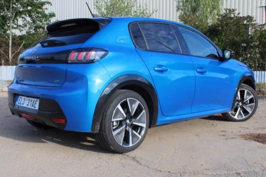 auto elektromobil Peugeot e-208