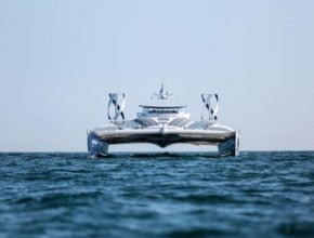 Cesta lodi Energy Observer čítala přes 7000 námořních mil včetně několika přejezdů Atlantiku.