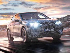 Nová technologická vlajková loď BMW Group završuje intenzivní program ladění systémů pohonu a podvozku – elektromotory, pohon všech kol, technologie nabíjení, vysokonapěťové baterie a tepelný management dokončují zátěžový test v extrémně chladných podmínkách.