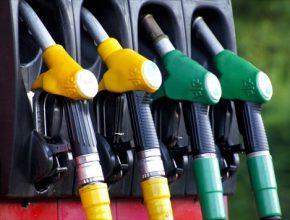 Už dnes je možné cenovou výhodnost CNG, které se prodává v kilogramech, odvodit z ceny za metr krychlový. Nově ale bude u pumpařů k dispozici nejen pro CNG vyčíslení nákladů na ujetých sto kilometrů.