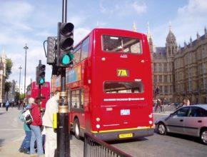 Siemens dodá dobíjecí technologie pro 37 nových elektrických autobusů, které budou instalovány do depa v západním Londýně