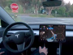 auto elektromobil Tesla Model 3 FSD Full Self-Driving