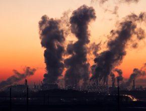 Emise z uhelných elektráren v Evropě za uplynulá léta významně poklesly. V dalších letech má spalování uhlí z většiny vyspělých zemí zcela vymizet.