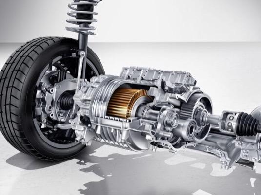 Elektromotor elektromobilu Mercedes-Benz EQA