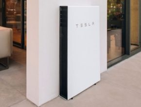 baterie Tesla Powerwall Havaj