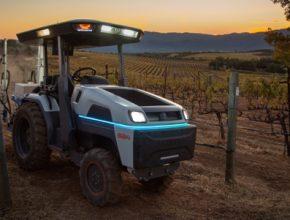 elektromobil elektrický traktor Monarch elektrotraktor
