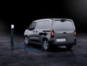 Zákazníci mají v novém e-Partnerovi k dispozici všechny vlastnosti klasické verze Peugeot Partner, bez jakýchkoliv kompromisů a nově s nulovými emisemi.