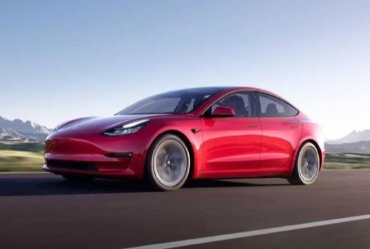 elektromobil Tesla Model 3 auto