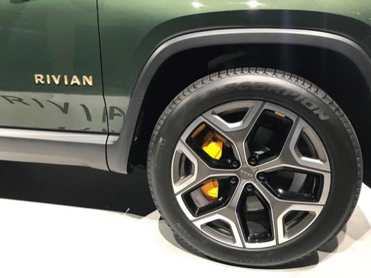 Pirelli bude exkluzivním dodavatelem pneumatik pro elektromobily Rivian.