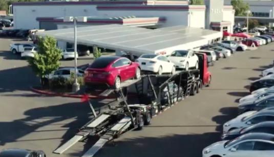 auto elektromobily Tesla Model Y, Model 3 rozvoz