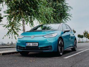 Zástupci společnosti ČEZ předali příspěvkovým organizacím v Ústeckém kraji flotilu 13 elektromobilů Volkswagen ID.3. Elektromobily slouží především k přepravě klientů a dětí do zdravotnických zařízení, ale i na různé akce a soutěže.