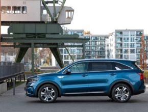 Úúsporné SUV s čistě elektrickým dojezdem až 70 km ve městě nabízí celkový výkon až 195 kW.