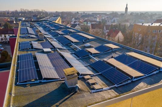 Obnovitelné zdroje v EU v roce 2020 poprvé předčily ty fosilní.