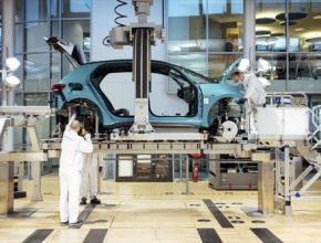 auto výroba elektromobilu Volkswagen ID.3 Skleněná manufaktura Drážďany