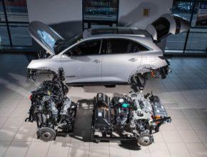 Vozy typu PHEV mají sice stejný cíl, ovšem technické cesty k němu jsou mnohdy velmi rozličné.