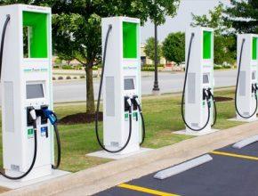 auto elektromobil nabíjecí stanice Electrify America Volkswagen
