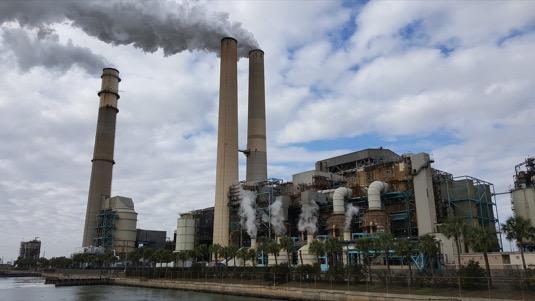 Ještě v roce 2019 bylo vyhlášeno třináct smogových situací. Počet smogových situací meziročně klesá od roku 2017 z tehdejších 58 až na nulu v roce 2020.