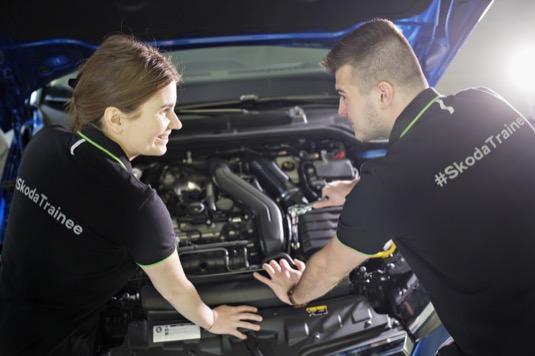 Nový program nazvaný Tech Trainee byl spuštěn v lednu, kdy automobilka přijala prvních 10 uchazečů. Společnost ŠKODA AUTO se jako jeden z největších zaměstnavatelů v České republice na vzdělávání a rozvoj zaměstnanců zaměřuje dlouhodobě.